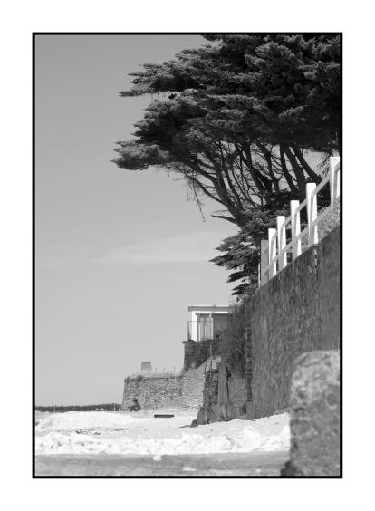 Le lecteur, plage de La Bernerie-en-Retz, France.